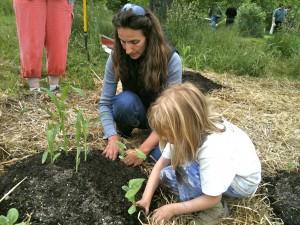 Planting a children's garden, Belfast Cohousing & Ecovillage